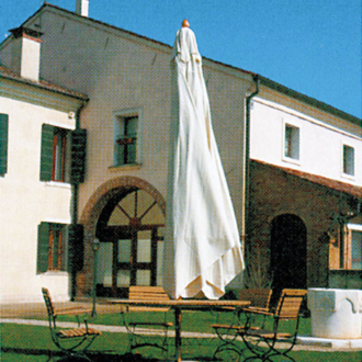 Petrarca fa vázas napernyő  4 x 4 m